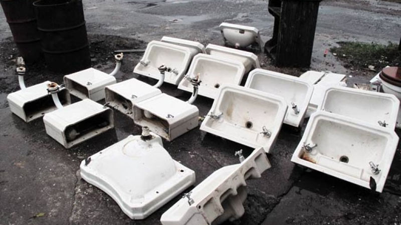 We always have a selection of sanitary ware in stock. Gallery Image