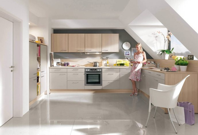 2 tone kitchens are the latest trend Gallery Image