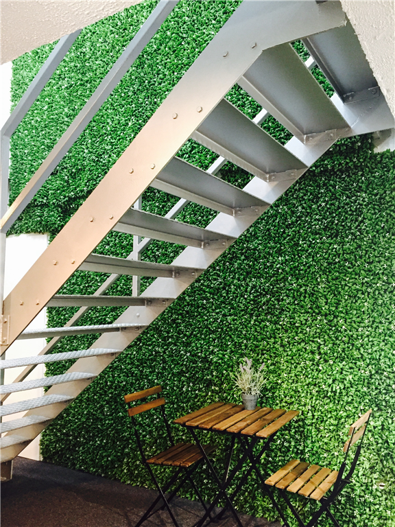 Instant artificial green wall Gallery Image