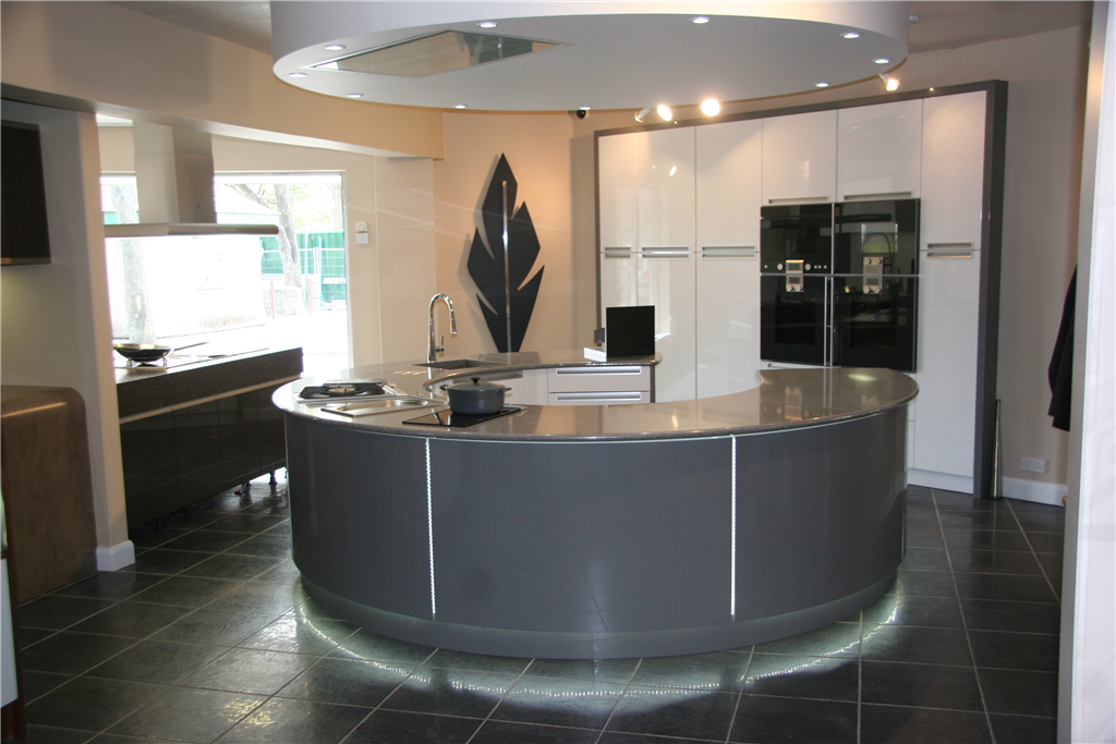 Kitchen with curved silestone panels Gallery Image