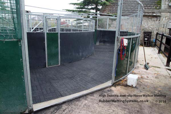 Horse walker  Matting - rubber matting systems Gallery Image