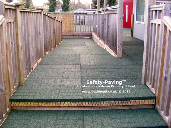 anti slip outdoor - safety paving - primary school - green Gallery Image