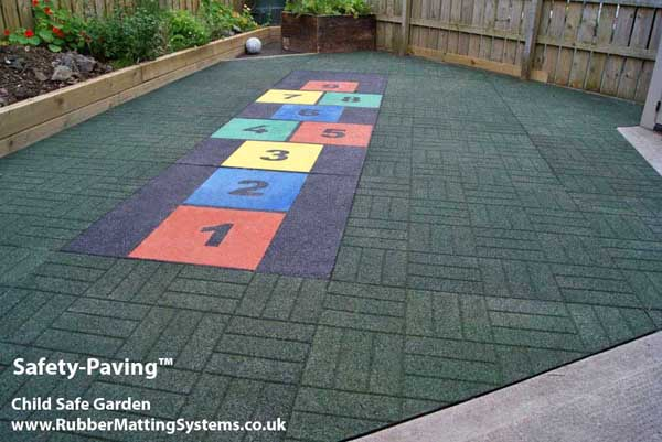 child safe outdoor - rubber safety paving  - hopscotch Gallery Image