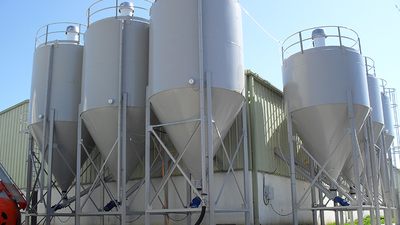 Previous project for six bulk storage silos for differing powders at a building products bagging plant, based in Gorey, Co. Wexford. Also supplied screw conveyors, weigh hoppers, silo protection, etc. Gallery Image
