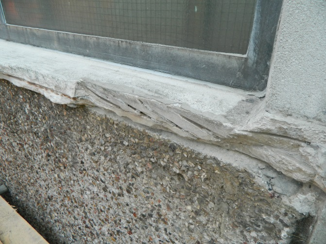 Spalled concrete causing a danger to the public Gallery Image