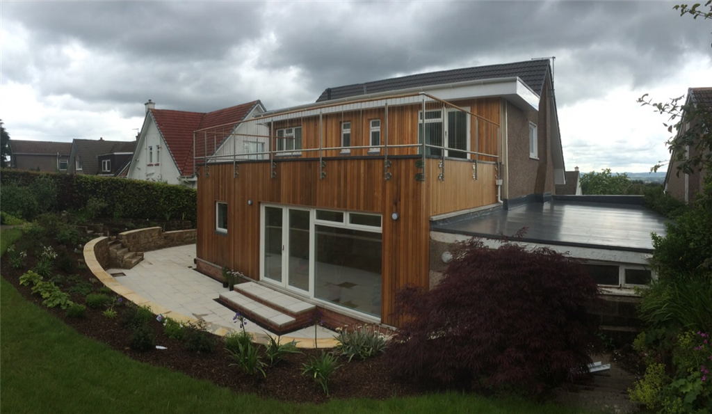 Garden room in timber cladding with roof terrace Gallery Image