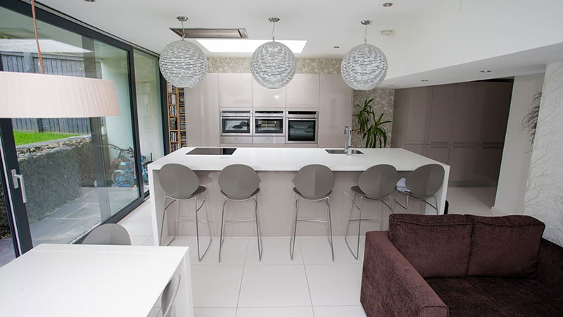 Open plan kitchen diner in Bearsden Gallery Image