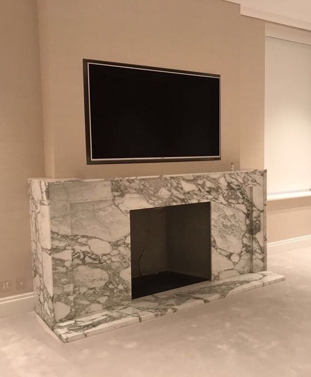 Arabescato marble fireplace, London Gallery Image