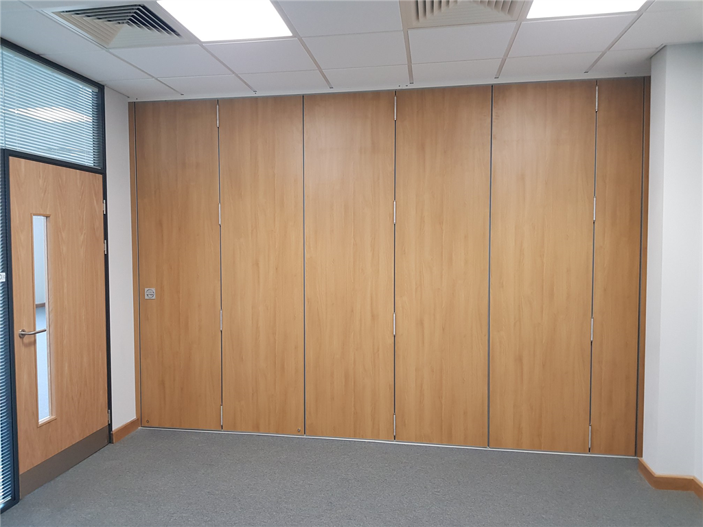 Moving Designs Ltd ~ sliding folding partition Gallery Image