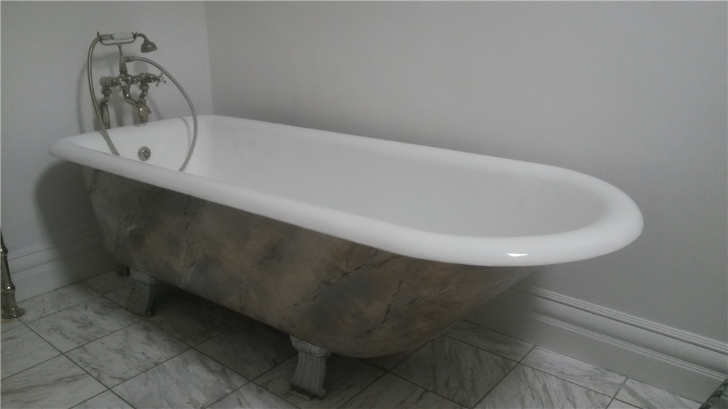 Bath after full resurface 